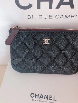 Chanel A82365 全新黑色 荔枝皮 雙C 淡金釦 菱格一字拉鏈零錢包 現貨