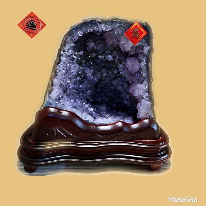 🏆【1688 精品】🏆巴西頂級紫晶洞、重-3.4kg 寬-22cm高-20cm 洞深-5cm..【C82】