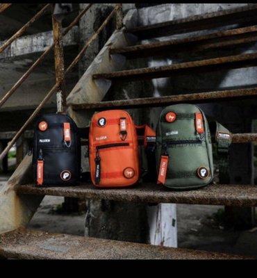 7-11 法國潮流軍靴 PALLADIUM CHANGE潮流單肩包 黑色橘色 現貨 綠 預購