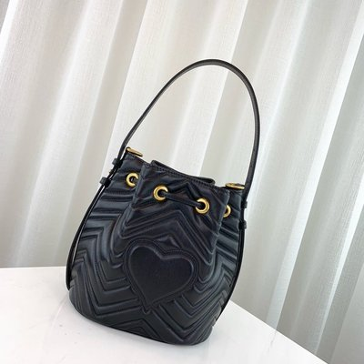 GUCCI GG Marmont quilted leather 水桶包 476674 黑色 超讚