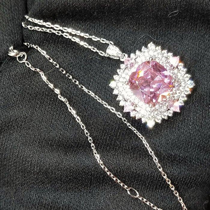 桃花粉鑽項鍊墜子鑽飾歐美專櫃純銀項鍊 高檔微鑲飾品 5克拉高碳鑽石精工定制鉑金18K 高碳仿真鑽石 莫桑鑽寶媲美真鑽鉑金質感