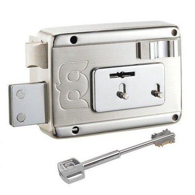鐵門鎖 大門鎖 標準安裝服務,特殊狀況費用另計