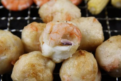 【中秋烤肉食材】來點不一樣的~烤花枝蝦丸
