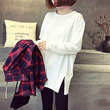 Jomi日系 百搭休閒 韓版個性破洞開叉下擺寬鬆顯瘦中長款T恤*  【JS30-AO2893】2色預購