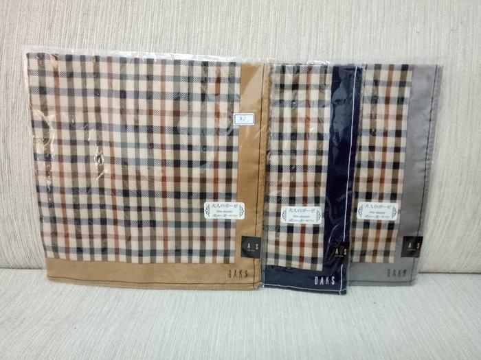 天使熊雜貨小舖~日本帶回DAKS經典格紋方巾 領巾 日本製 現貨:駝、灰、藍色3款  全新現貨