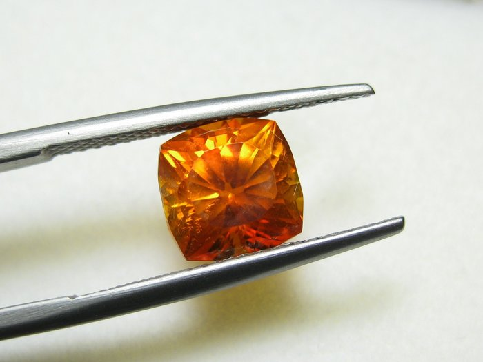 【Texture & Nobleness 低調與奢華】天然無處理 高品質AAA 橘色紅鋅礦(Zincite) 4.4克拉