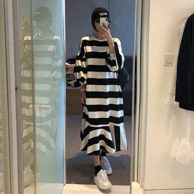 休閒荷葉裙擺連身裙韓系 真的特別黑白條紋寬鬆魚尾長袖洋裝 艾爾莎【TAK7784】