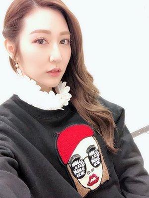 H.TIVA正韓國精品服飾-店長力推女神曾莞婷也有穿的極紅帽女孩上衣