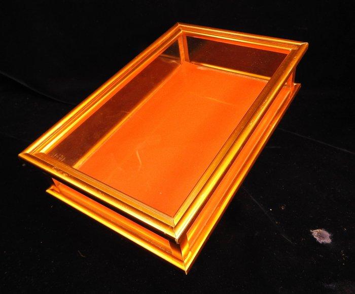 *阿威的藏寶箱*【特價 早期 人參玻璃展示盒 鋁製 珍貴中藥材玻璃盒(2)】品相優 保存良好