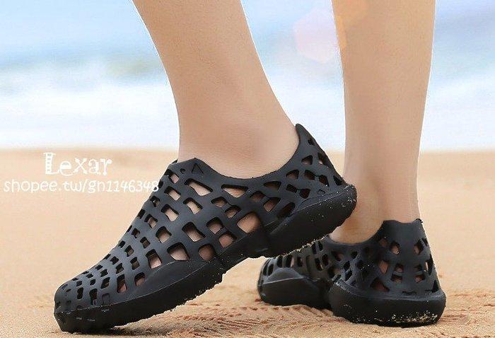 新款沙灘拖鞋男夏季防滑包頭拖鞋軟底潮流室內涼拖情侶洞洞鞋男女