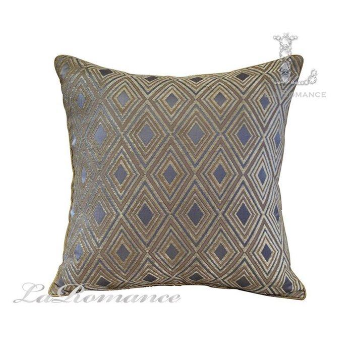 【芮洛蔓 La Romance】現代時尚系列多層次立體菱格紋抱枕 / 靠枕 / 靠墊 / 方枕