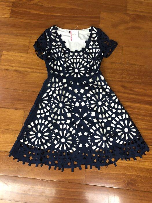 (嘻哈姐弟) GRACIA 美國品牌 雙層布料 外層像紙剪出來的設計 S號 連身裙 全新 吊牌齊 100%正品