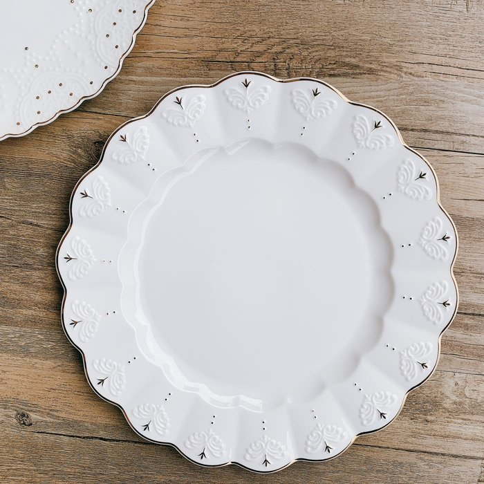 [現貨] 迪亞娜浮雕盤北歐風盤子 骨瓷餐盤 餐盤 牛排盤 甜點盤 骨盤 餐具 盤子 歐式簡約盤 骨瓷盤 蛋糕盤 餐桌布置