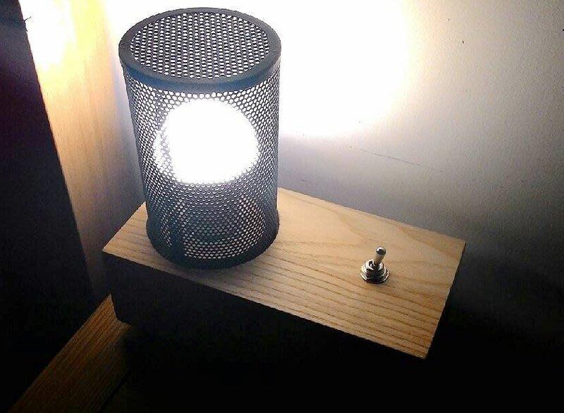 燈光好美麗~文藝風 工業風 樟木復古檯燈 LED 省電燈泡都能用喔!