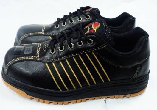 美迪~帥門8920-工作安全鞋~台灣製~(加鋼頭鞋底加鋼片)~檢內登字第R55406號~寬版