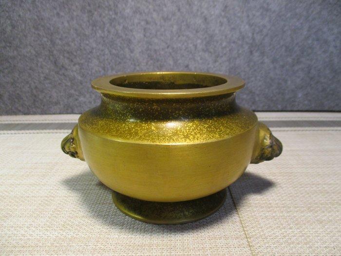 特價[古典中型黄銅爐] 宣德雙獅貴重爐/圓爐法天地,上清底足厚,黄金獅鎮威,得宜君子重。主敦品富貴大吉!