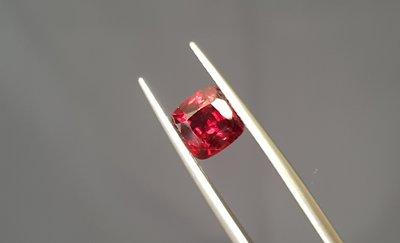 揚邵一品 紅尖晶石(附證書149)緬甸1.80克拉鴿血紅尖晶石 極度稀少,頂級緬甸抹谷產,(非緬甸絕地武士霓虹紅寶石)