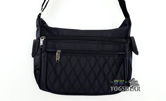 【YOGSBEAR】A 多層格 側背包 斜背包 淑女包 拉鍊包 肩背包 1556 黑