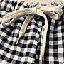 CPMAX 麻棉寬鬆透氣休閒短褲 鬆緊帶自由調整 大尺碼 休閒短褲 麻棉短褲 格子短褲 麻棉寬鬆褲 休閒寬褲 W52