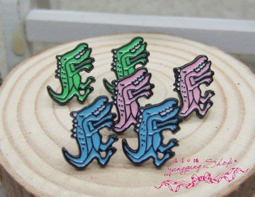 *。漾漾小舖*。♥插畫系列♥韓國潮系感張牙舞爪的恐龍針式耳環˙鋼【A2574】☆°可改細膠夾+10