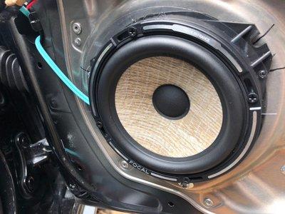 未來汽車音響 BENZ W212 FOCAL PS165F分音喇叭+CROSSFIRE A6-8S六聲道DSP擴大機