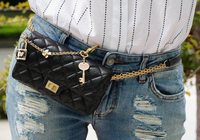 Chanel A57791 Chanel Bi Quilted Waist Bag 鍊帶腰包 2.55 黑金鏈