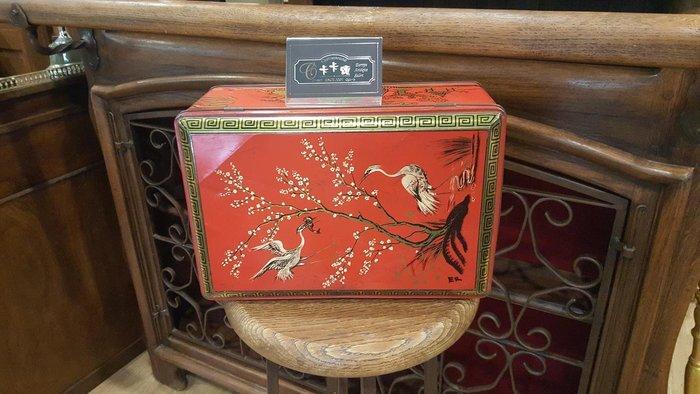 【卡卡頌 歐洲跳蚤市場/歐洲古董】歐洲老件_中國風 鶴圖 老鐵盒 附鑰匙 餅乾盒 小物收納盒 m0431✬