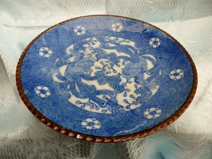紫色小館4-----日據時代手繪青花盤(直徑22公分)