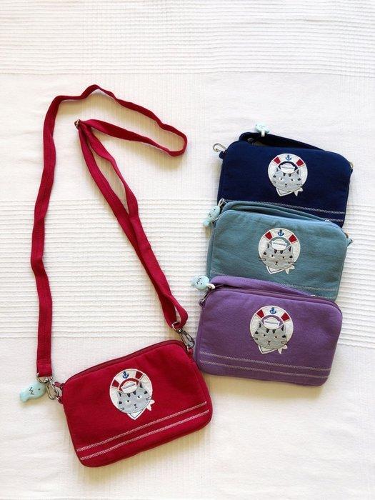 日本卡拉貓~酷酷海軍貓防水迷你斜背包 手機袋 親子包