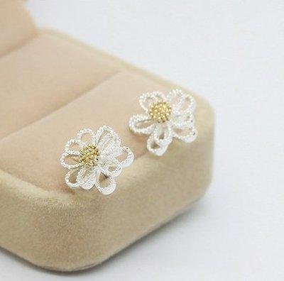 無耳洞女孩 ✦ BAROCCO LA PERLA CLIP-ON 小珍珠小雛菊花耳夾式耳環 AC080719