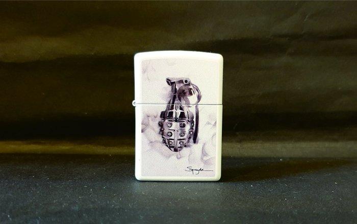 ONE*$1~*美系*ZIPPO*法國Steven Spazuk火焰藝術家《手榴彈》白色烤漆*編號:29845