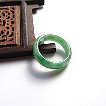 天然緬甸翡翠玉A【飄綠翡翠玉戒指】有水有色* 內徑19.2 mm  編號p15