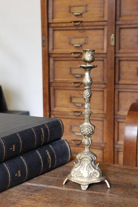 法國黃銅燭台/古董燭台 歐洲古董老件(00_017)【小學樘_歐洲老家具】