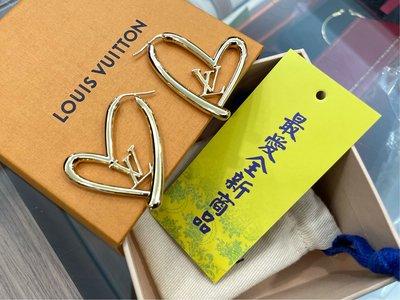 ☆最愛二手精品☆ LOUIS VUITTON LV 全新大款金色愛心形字母耳環 FALL IN LOVE 爆款 限量