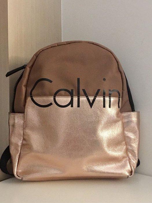 。☆二手☆。CK Calvin Klein正品女款後背包//粗拉鍊//29*33*10cm//原購價六七千元