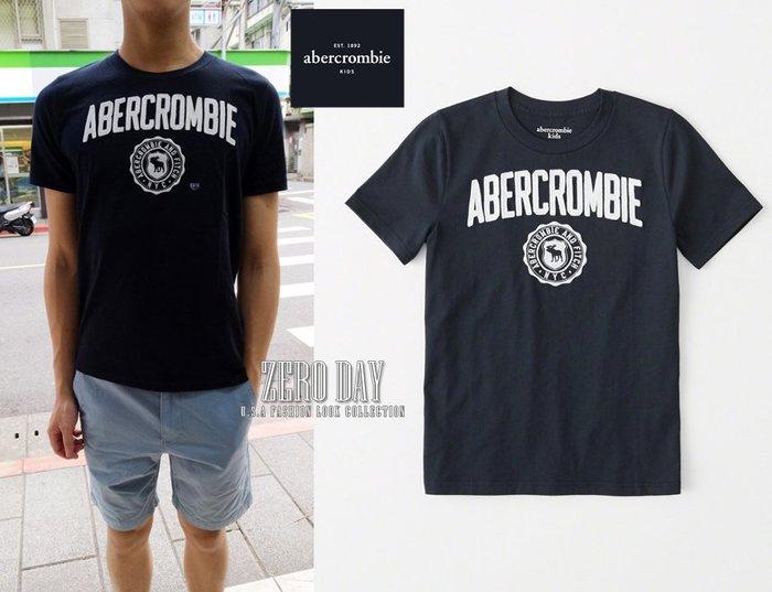 零時差美國時尚網a&f真品abercrombie&fitch boy logo graphic tee徽章短袖T-深藍色
