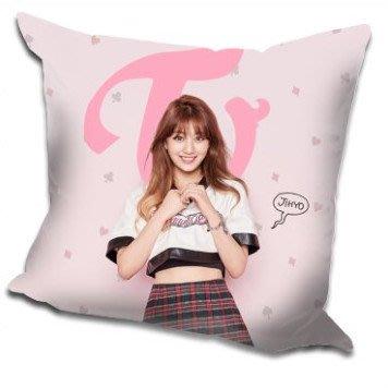 現貨!志效 Ji Hyo TWICE Knock Knock 抱枕 枕頭,40x40cm,緞紋布,色彩鮮豔,印製精美
