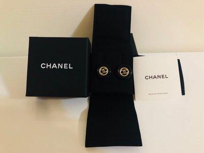 [售出] CHANEL 2018最新款 鈕扣耳環