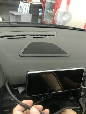 全新 BMW F45 F6 2AT 2GT H/K 中置喇叭組 中音+高音+網蓋 另有B&O B&W 擴大器