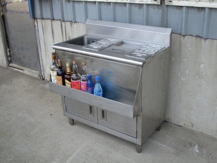 鑫忠廚房設備-餐飲設備:二手手工儲冰調料台-賣場有西餐爐-快速爐-冰箱-烤箱-工作檯-水槽-冷凍櫃