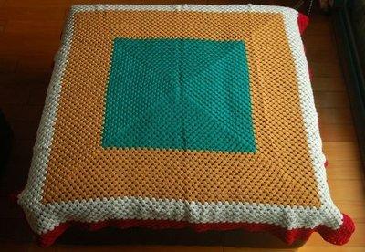 老件普普風手織毯,售1980元。