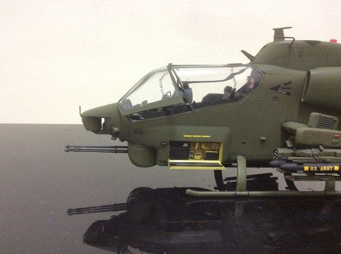 AH1W攻擊直升機