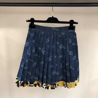 Versace 🆕 牛仔女裝 低調華麗感的凡賽斯 短裙 價格請私訊