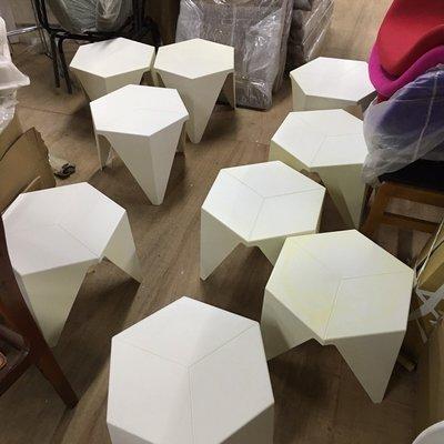 【 一張椅子 】 瑕疵出清 Isamu Noguchi 野口勇 設計師 Prismatic table 復刻版 茶几