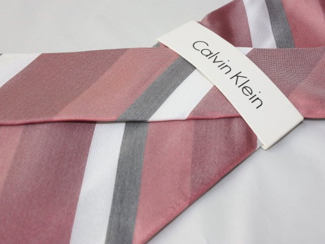 【Calvin Klein CK】100%全新正品 斜紋領帶-灰粉紅色系【寬版8cm】*領帶兩條95折三條9折*C231