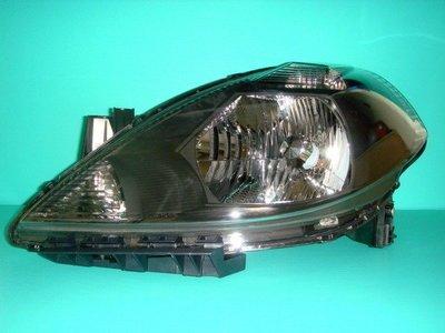 ☆小傑車燈家族☆全新超炫無敵版日產NISSAN-TIIDA燻黑大燈一顆1800元限量版