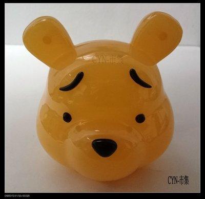 CYN-市集 迪士尼超可愛小熊維尼造型撲滿 /存錢筒 材質:塑膠 高約9CM寬約9CM厚約9CM