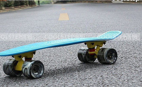 【優上精品】小魚板香蕉板penny 滑板單翹滑板代步刷街四輪4輪魚形速降(Z-P3098)