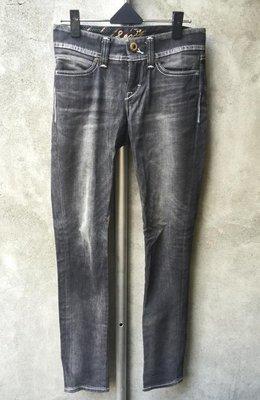 Levi's黑色經典牛仔褲 #25 二手 購入價約$3000 惜售$999 **Owl Shop**