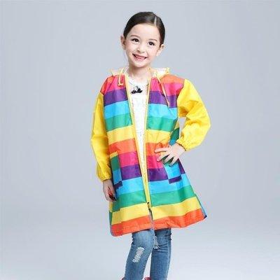 哆啦本鋪 雨衣 寶寶彩虹雨衣彩虹斗篷雨衣童雨披防水戶外 D655